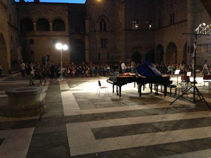 Rhodes concert