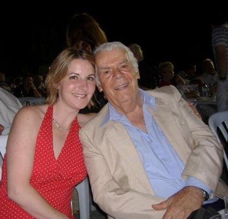 With famous baritone John Modenos